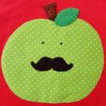 maat 110 rood met groene appel 3 klein