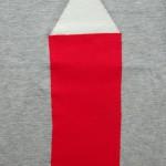 maat 116-122 grijs met rood potlood 3 klein